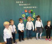 Dzień Edukacji Narodowej – starszaki występują dla nauczycieli!