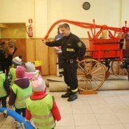 Bunnies na wycieczce w Jednostce Gaśniczo-Pożarniczej Straży Pożarnej